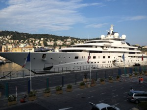 Limousine Super Yacht Port Vauban Antibes Monaco Cannes Port